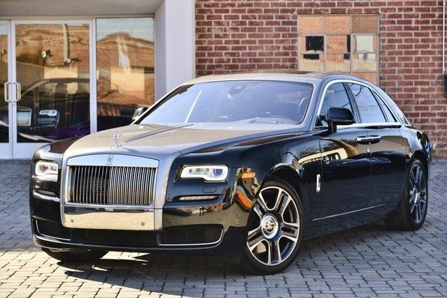 Black Rolls Royce Ghost